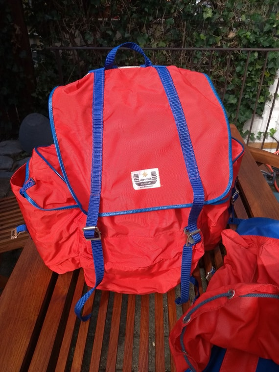 two bagpacks/ backpacks from the 80s -Two backpack