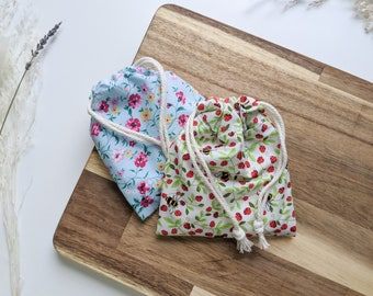 NEW Surged Edge Floral and Strawberry Bee Pattern Reusable Drawstring Bag and Face Pads Set of 7 100% Cotton Eco Friendly Spring Gift Her