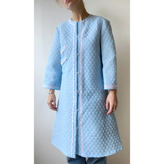 1960's retro quilted housecoat in light blue color