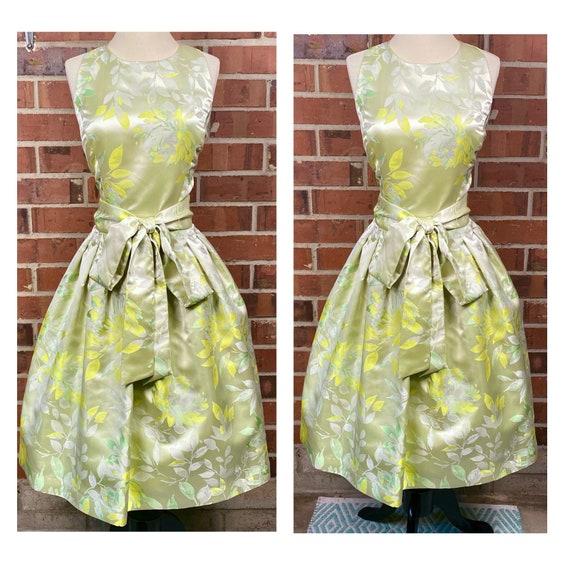 Vintage 1950s size 12 full skirt swing dress| 1950