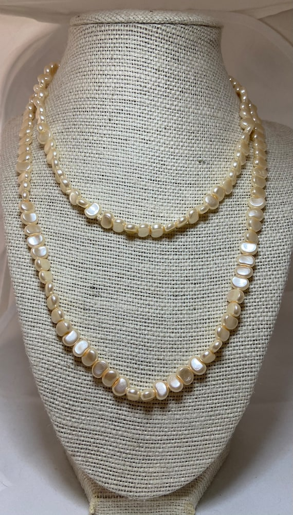 Mother of Pearls Necklace Costume Jewelry