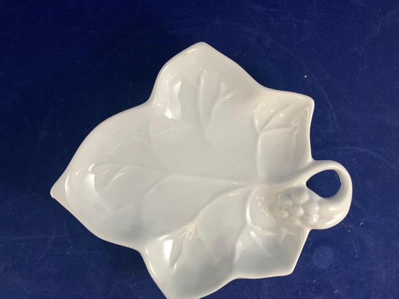 Lilian Vernon White Leaf TrayTrinket Dish