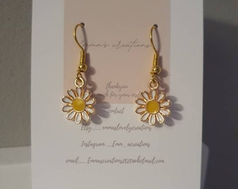 DAISY CHAIN EARRINGS enamel kawaii cute flower earrings cool pretty gift for her unique seventies retro quirky earrings