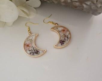 handmade flower resin earrings gifts for her, ladies earrings, gifts handmade earrings real flower earrings , pressed flower moon jewellery,