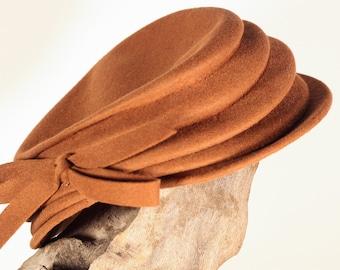 Vintage 30s /40s high-fashion women's Edgar Lorie brown Tilt Hat Felt or velour fabric