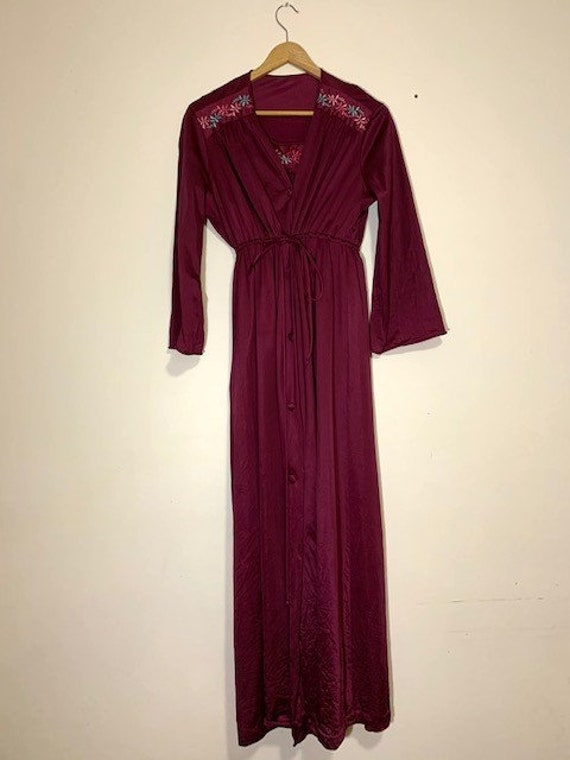 Vintage nightgown & Housecoat