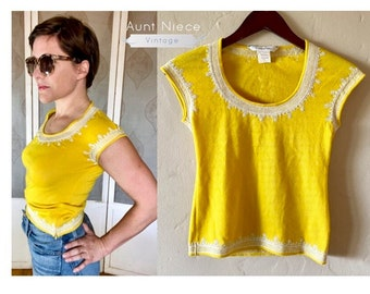 Vintage Oscar De LaRenta Yellow with white floral embroidery short sleeve knit top small zip side XS