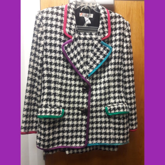 Chaus-Vintage Chaus 2 piece Houndstooth Suit