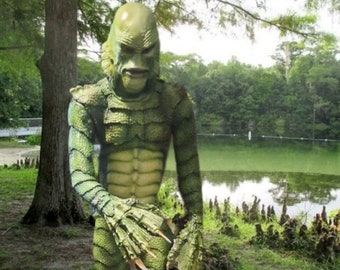 Creature from the Black Lagoon 1:1 Scale Lifesize Statue