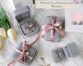 1Pc Velvet Presentation Gift Jewellery Ring Necklace Pendant Display Bo TDUKP Fw