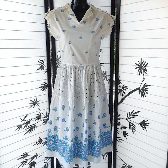 Vintage 40's/50's White Eyelet Cotton Blue Floral