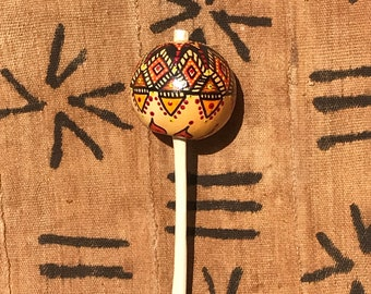 Gourd shaker with geometric design