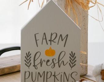 Wooden house autumn ''Farm Fresh Pumpkins'', autumn decoration, autumn sign, country house decoration, farmhouse sign, deco house, wooden house