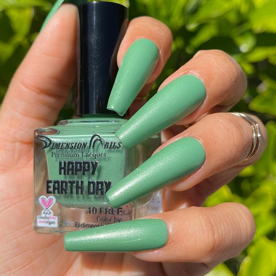 """Dimension Nails """" Happy Earth Day"""""""