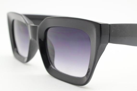 ALV Alviero Martini Made in Italy rectangular cat eye sunglasses woman white crystal transparent metal frame black lens designer diamond