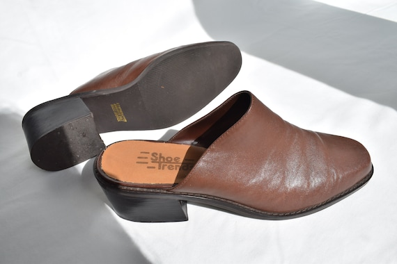 Vintage 90's Brown Leather Mules 7.5 |  1990's Br… - image 8