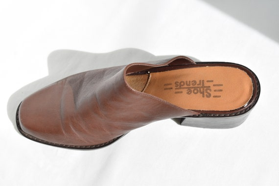 Vintage 90's Brown Leather Mules 7.5 |  1990's Br… - image 10