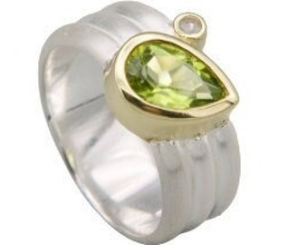 Band ring with peridot drops and rock crystal, ring size 56