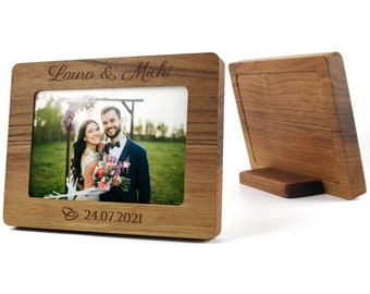 Wedding picture frame made of precious wood, personalized and solid.