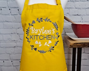 Customizable embroidered apron Personalize name kitchen apron great gift for her