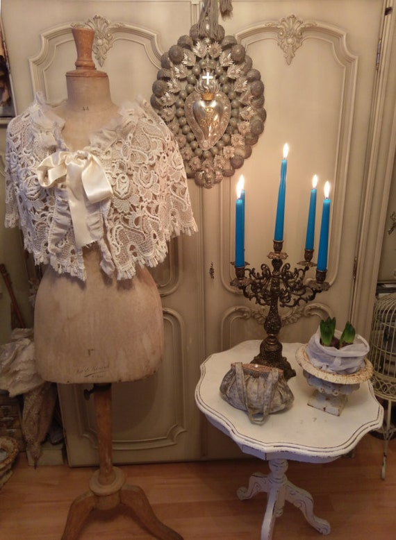 Vintage cape brocante lace silk tulle
