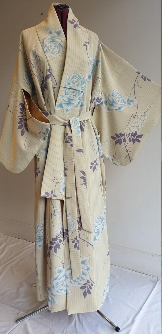 Vintage Kimono / Dressing Gown