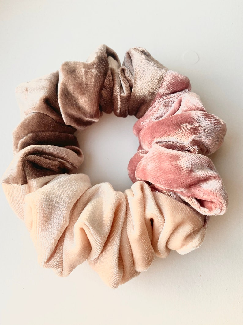 combo perfect size. Super comfortable lux hairtie in the softest velvet Velvet scrunchie in a beautiful pink,brown and blush large size