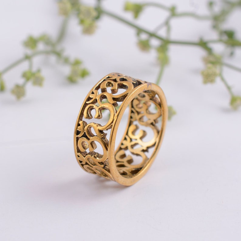 a crescent the Om symbol is a combination of curves and a dot. Religious /& handcrafted Om ring of Brass