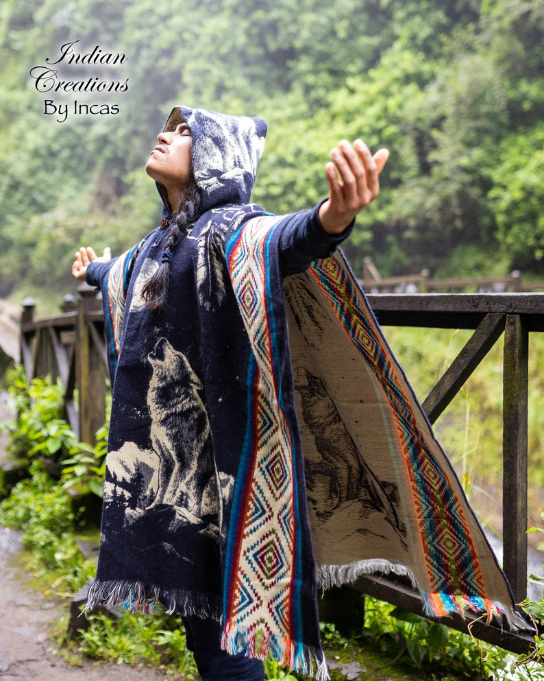 Blue warm and unique! Soft EXCLUSIVE DESIGN Wolf Alpaca Poncho Wolf in the Mountains