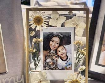 Pressed Flower Frame | Anniversary Gift | Gift for Her or Him | Polaroid Frame | Wedding Frame | Custom Gift | Christmas Gift