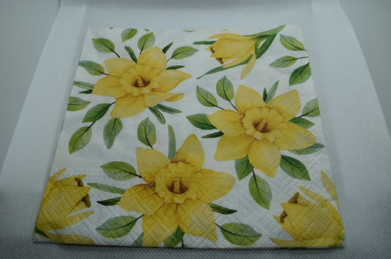 2 Decoupage Paper Napkins  Dafodils  Serviette  Scrapbooking  Paper Craft