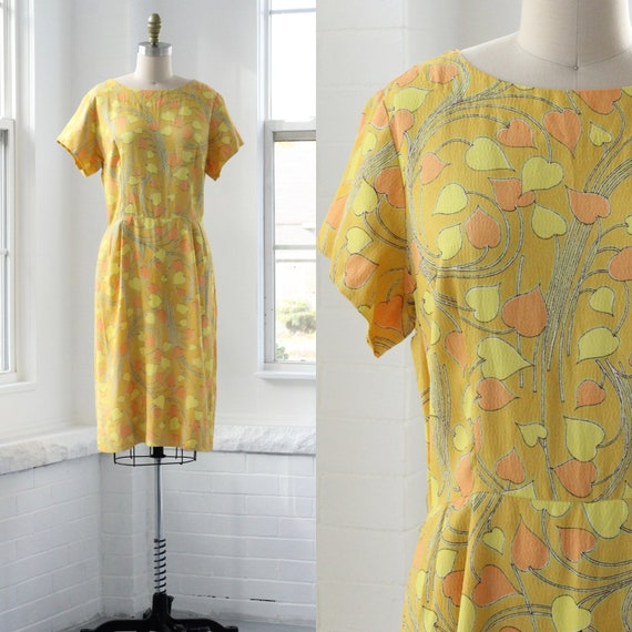 60s Flower Power Sheath Dress