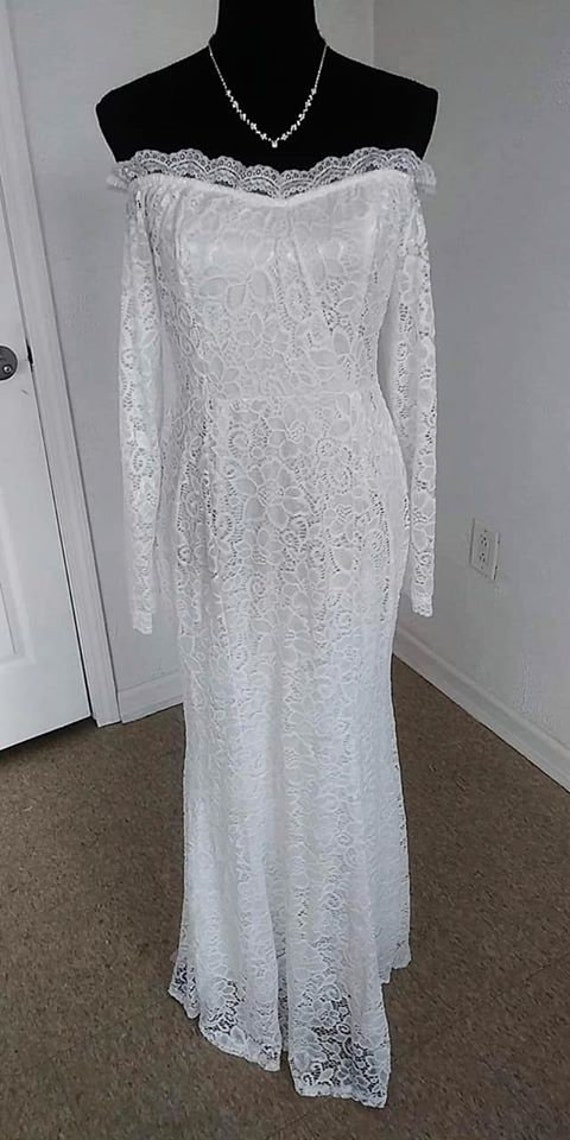 Lace Bridal gown with sleeves