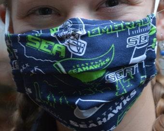 Seattle Seahawks mask (Iris Luckhaus hybrid cloth mask)