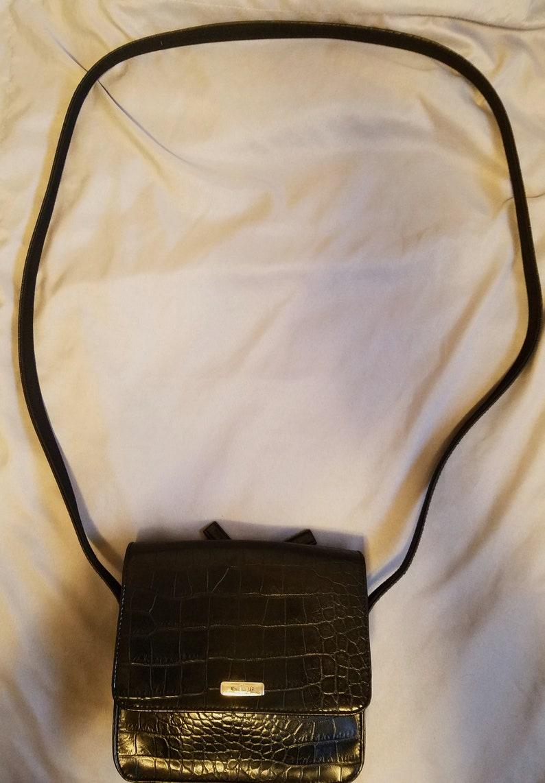 Classic Nine West crossbody purse