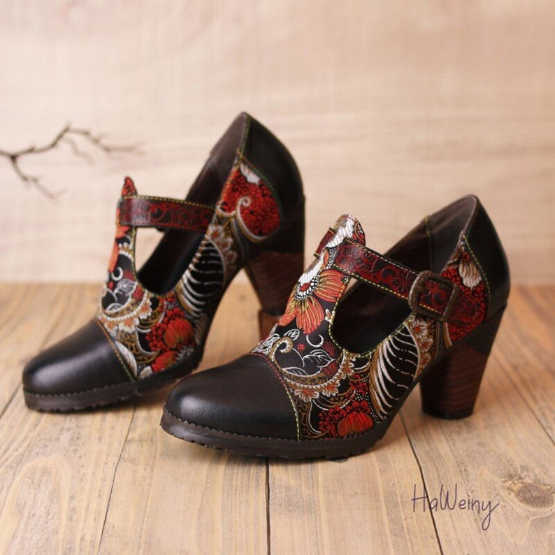 Genuine Leather Embroidery Shoes Women Shoes 2021 Pumps Round Toe Casual Retro Shoes Buckle Strap Sewing Ladies Shoes