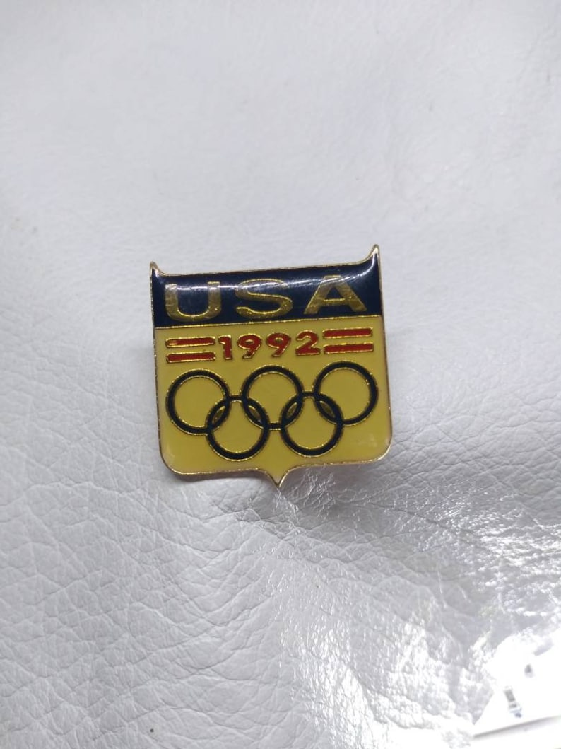 Team USA Barcelona 1992 Summer Olympic Games Antique Pinback Vintage Collectable sports athletes Boat Team USA racing sailing Competition