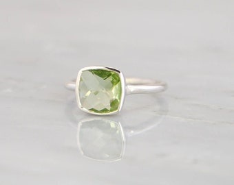 Peridot Quartz Ring Woman Gemstone Ring Jewellery Gift For Girl Ring Sterling Silver Plated Ring Jewellery Gift For Her Ring Jewelry