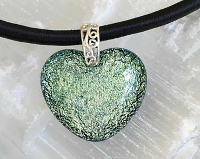 Dichroic glass pendant and sterling silver .925 heart pattern