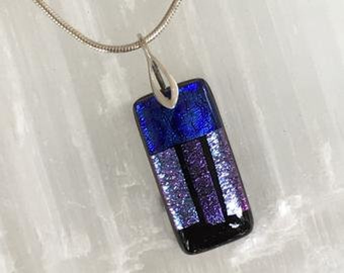 Dichroic glass pendant and sterling silver .925.