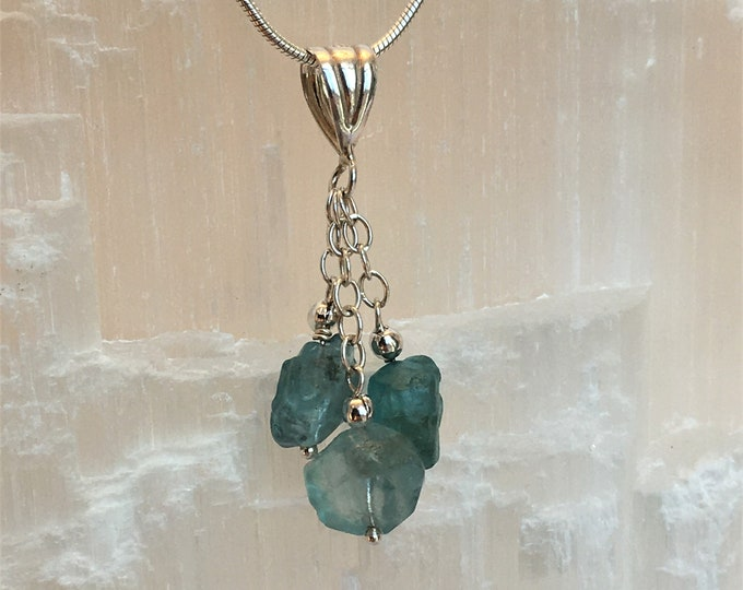 Pendant in apatites briolettes and sterling silver .925. S6