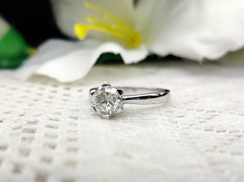 Dainty CZ Ring Promise Ring Simple Classic Ring 1.5Ct Round Cut Solitaire Engagement Silver Ring Wedding Ring Minimalist Ring