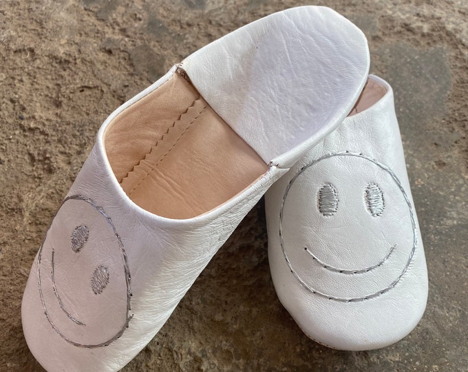 Smiley slippers,Moroccan Slippers in Leather, Moroccan slippers, Smiley bedroom slippers