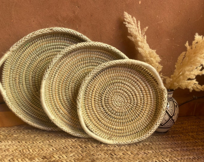 Berber basket/tray in wicker and wool, Berber wall decoration,