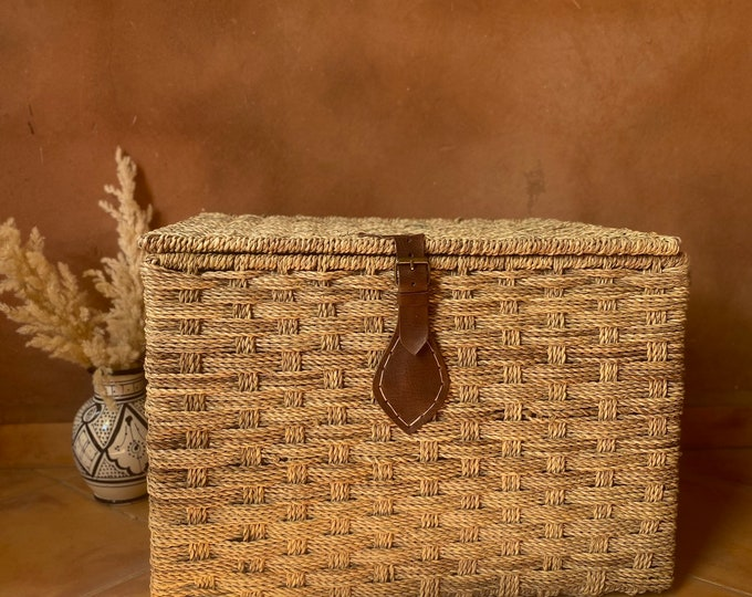 Wicker storage trunk - Palm leaf storage chest and leather closure -