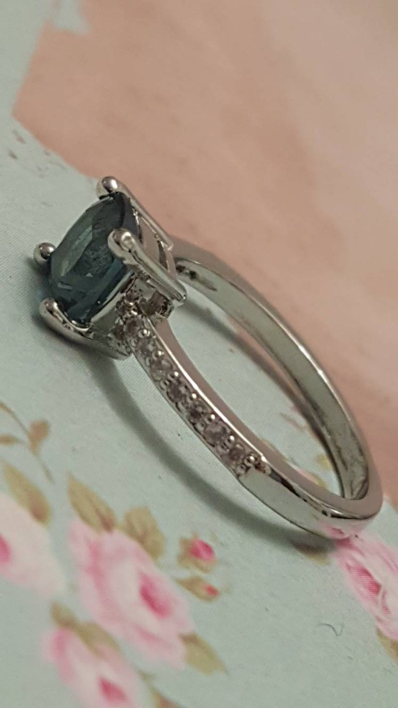Size R Pretty Dress Ring 925 Gift for Her Art Deco Style Square Peacock Quartz Ring