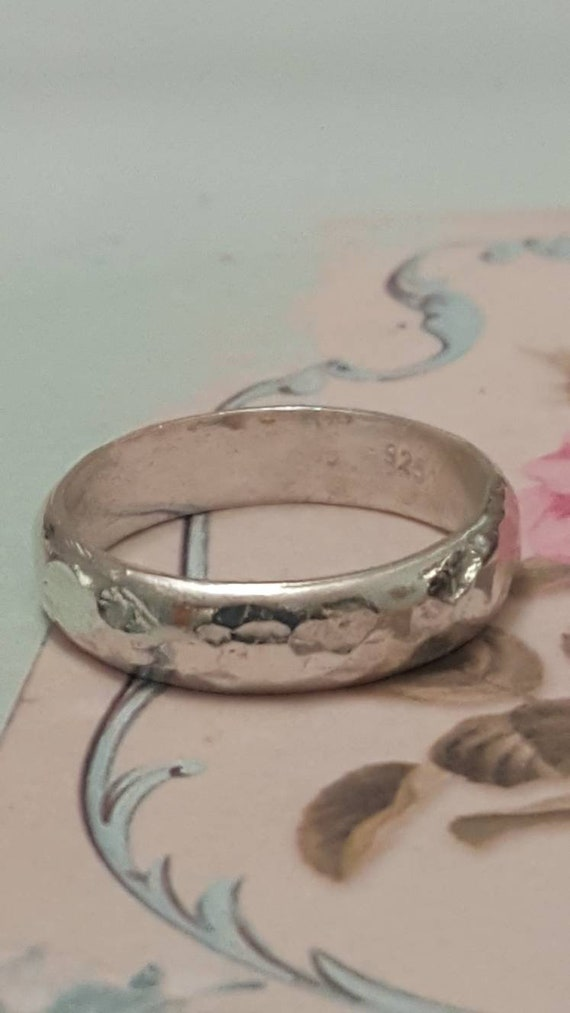 Pretty Hammered Silver Wedding Ring - Unique Silve