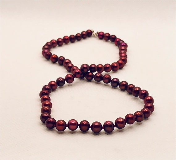 18 6-7MM Cranberry Enhanced Cultured Freshwater Ladies Vintage Pearl Necklace