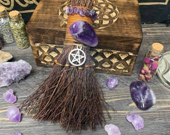 """Witch's Mini Besom / Broom  
