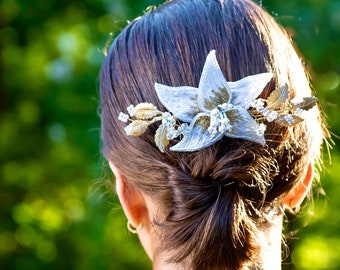 Emilia Hair Comb with Embroidered Flower